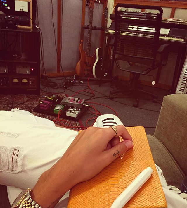 Fun and games over.. Back to work!! 🎸🎶 #monday #studio #writing #album #letsgo