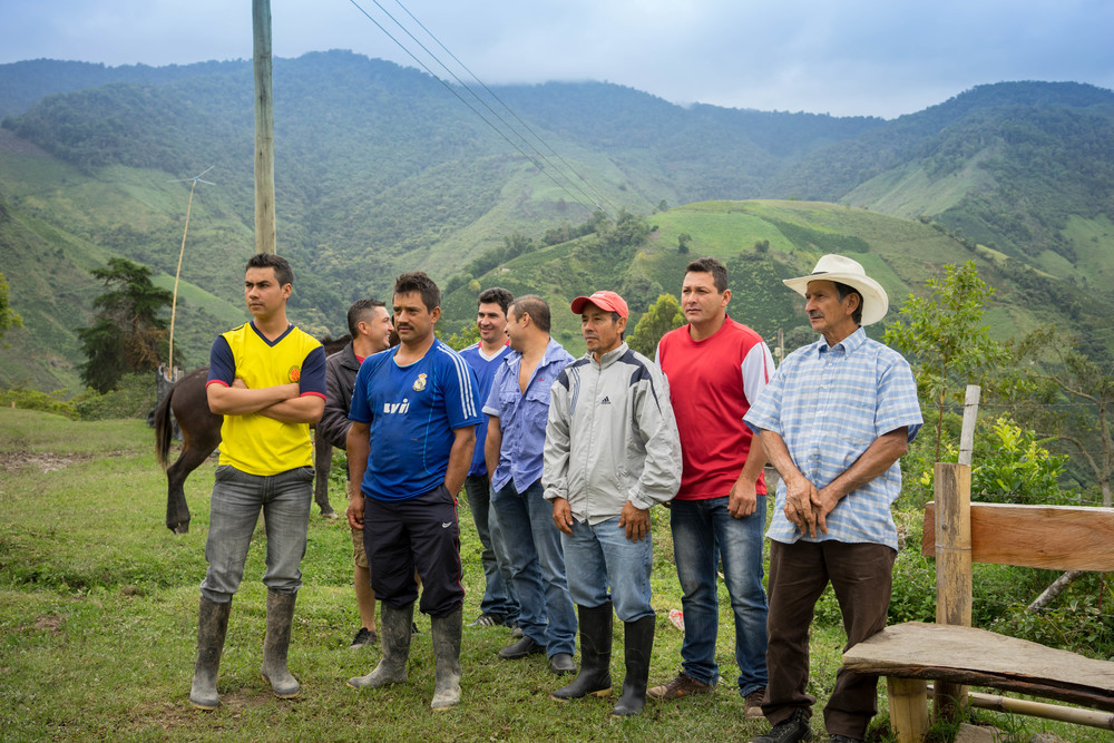 Some of the farmers in Tarqui that are now in the El Triunfo project.