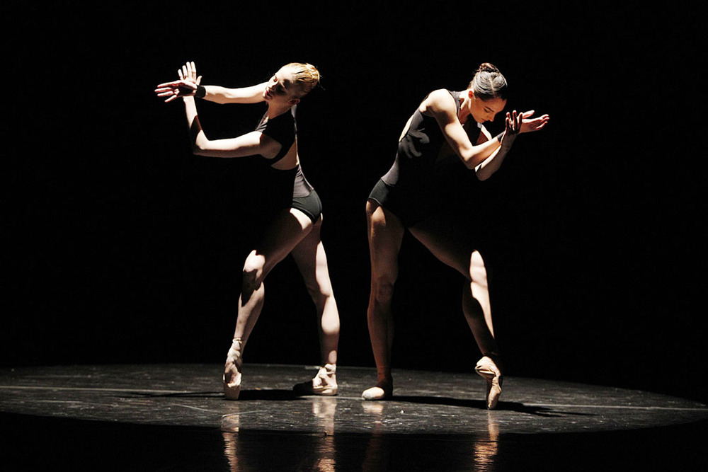 Michele Wiles and Kristi Boone in La Follia by Mauro Bigonzetti