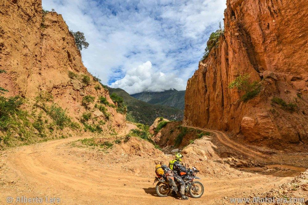 Road near Calemar, La Libertad.jpg