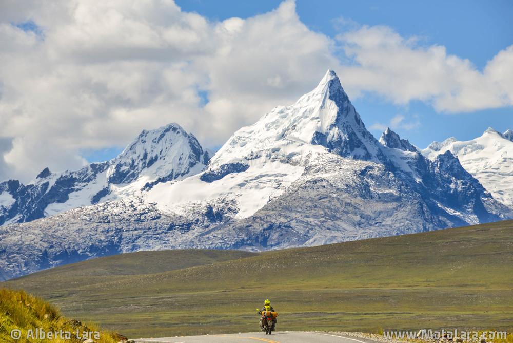 Road to Chavin de Huantar, Ancash.jpg