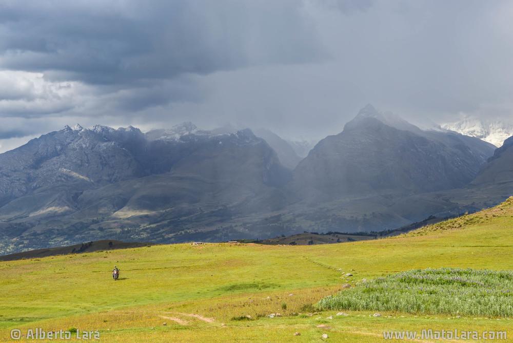 Wilcacocha near Huaraz.jpg