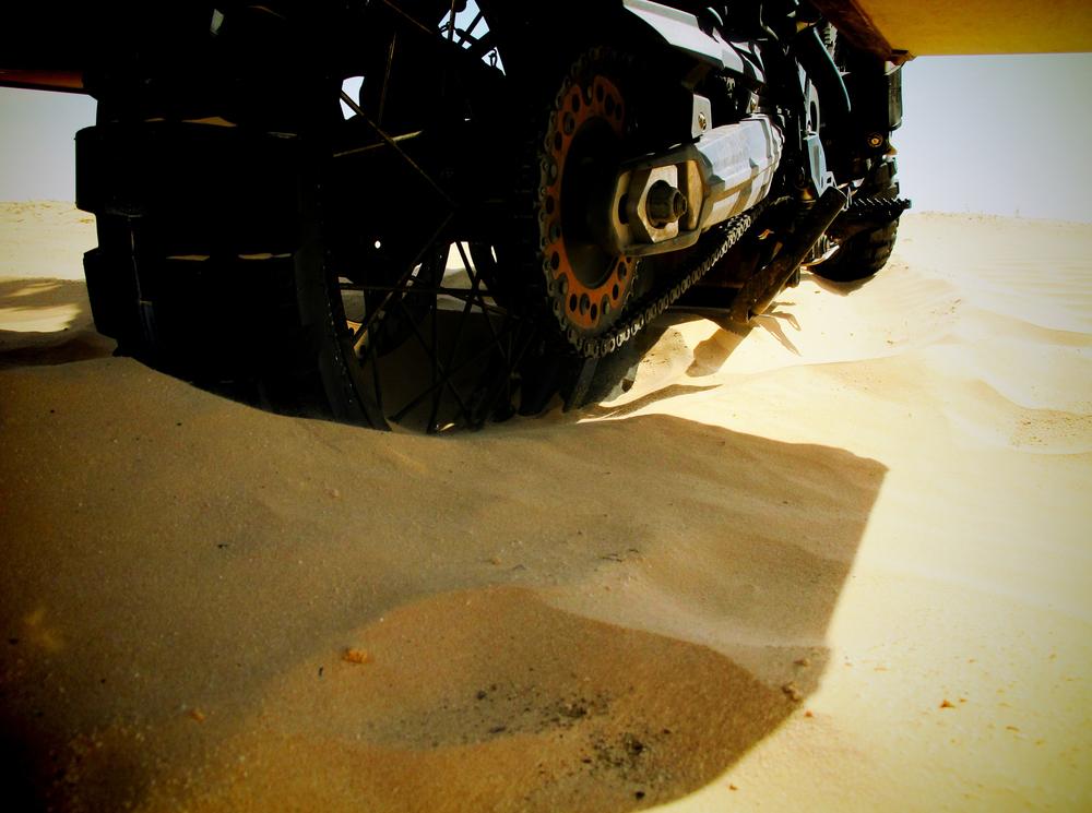 Issa Breibish - douz desert - bikes3.jpg