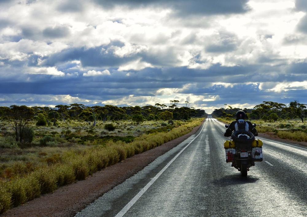 Issa Breibish - nullarbor plain, southern australia9.jpg