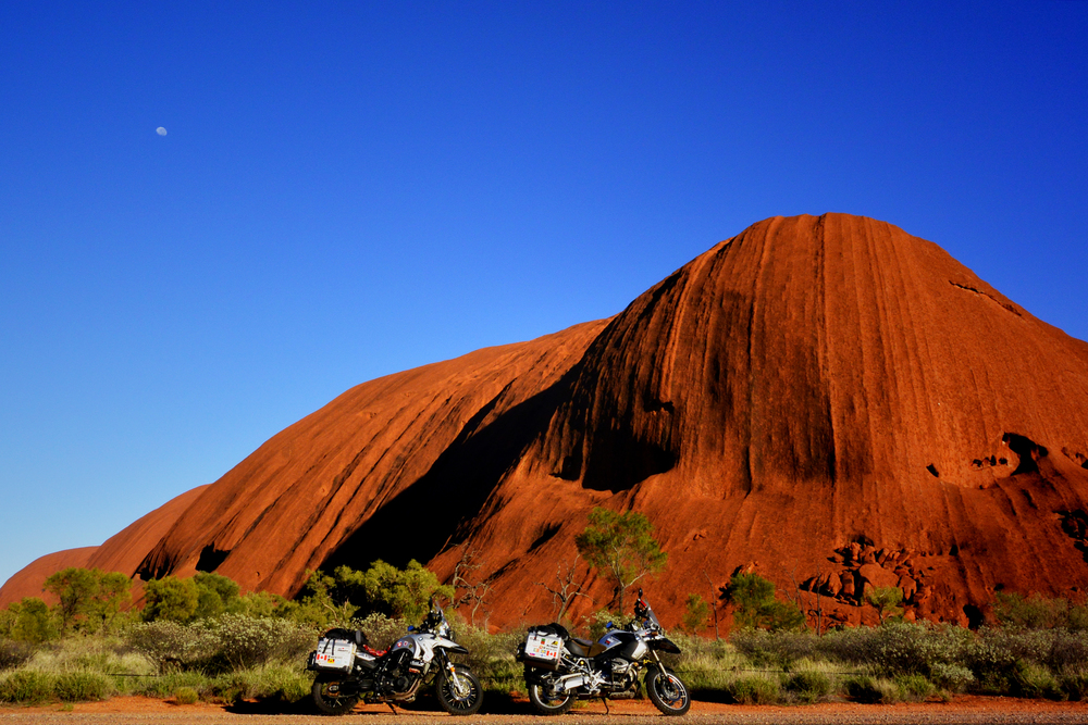 Issa Breibish - x uluru, ayers rock, northern australia.JPG