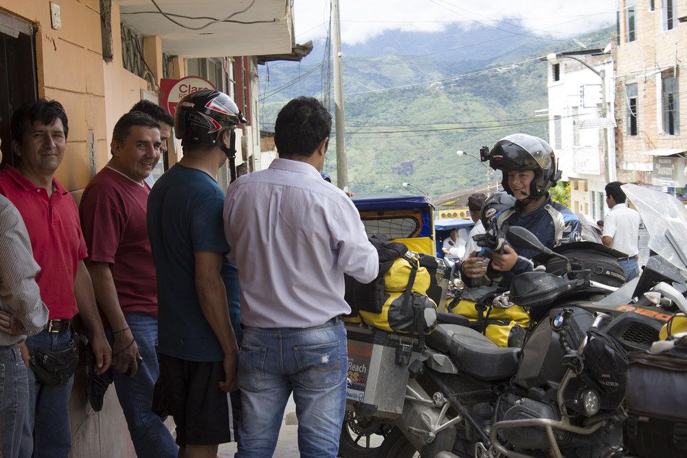 Curious Peruvians.jpg