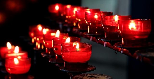 candles-2628473_640.jpg
