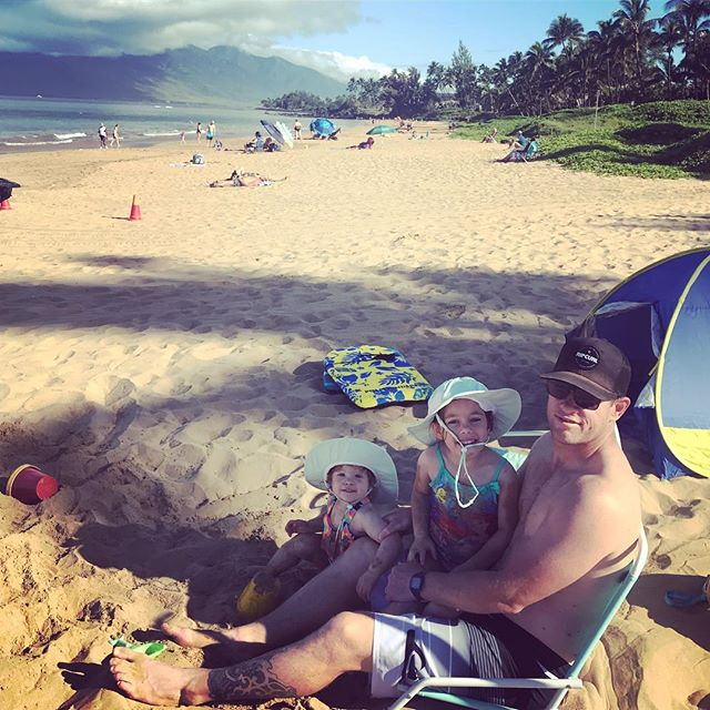 Beach babies chilling in sunny, beautiful Hawaii! We've worked hard (shout out to my awesome, hard working hubs) to finally be on our first real family vacation! No to-do list, places or people to see... just sun, beach, fresh food and relaxing. Oh, and lots of reading for me! 📚Feeling perfectly in my flow and life is truly great. #blessed ❤️🤗