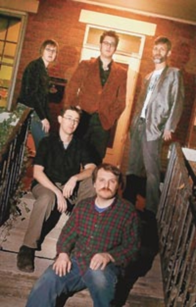 The Wells in 2007 (l-r): Lori Parsley, Andy Gard, Robert Loss, Bill Heingartner, Nick Mancini