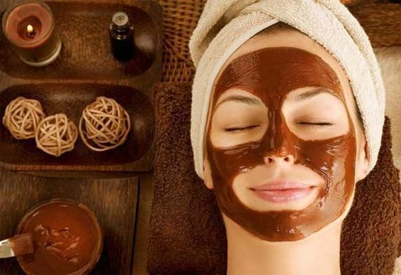 Pamper your skin with a mask that's good enough to eat!
