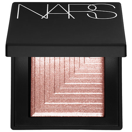 The preeeetttttiest eyeshadow you can use dry or with a wet brush for a more intense look.