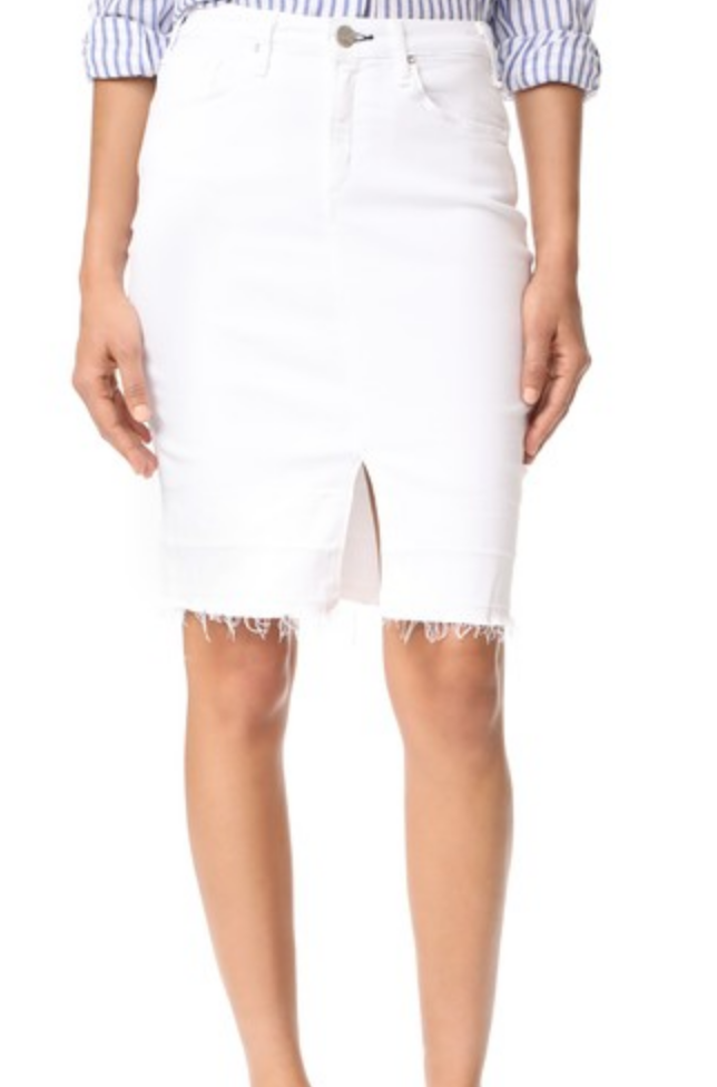 I love love love so much about this skirt. The frayed hem, the centered slit, and the white denim! A+++!