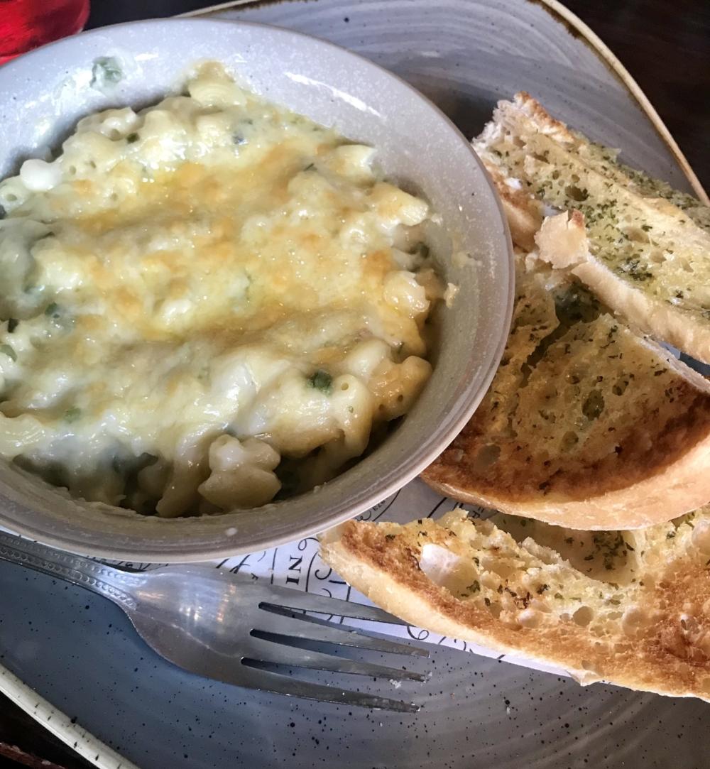 elephant and castle macaroni cheese