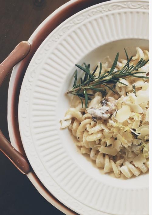 Lemon, Rosemary, Mushroom, and Goat Cheese Pasta