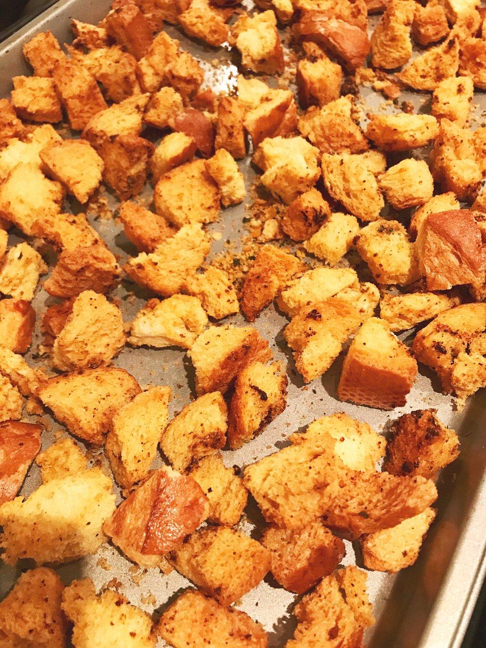 Homemade Garlic Butter Croutons