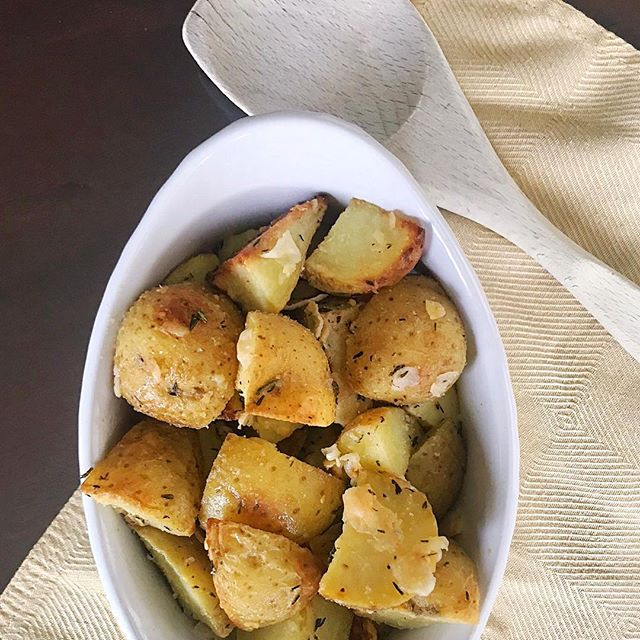 These little cutie Parmesan roasted potatoes can be on your plate in just half an hour! They make a great side dish, but I see no reason why a big ol' bowl of potatoes can't be your main course too!  Ingredients: 2 lbs. Yukon potatoes, cut into quarters  3 tbsp. Olive oil  1/2 tbsp. Rosemary  1/2 tbsp. Thyme 1 tsp. Salt 1 tsp. Garlic powder 1 tsp. Onion powder 1/3 cup grated Parmesan (Plus more if you want! Or exclude the cheese if you want a vegan dish)  Directions: Preheat oven to 375 F. Toss potatoes in olive oil.  Mix seasonings and cheese and then toss them with the potatoes until all the potatoes are coated. Spread the potatoes in a single layer on a pan that's covered in tin foil. Bake 20-30 minutes, stirring halfway through, until a fork goes easily through the potatoes.  Enjoy! 🧀 🥔 ❤️
