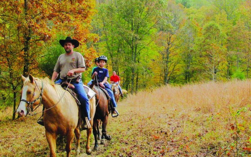 brown-county-horseback-e1476211809201-800x500.jpg