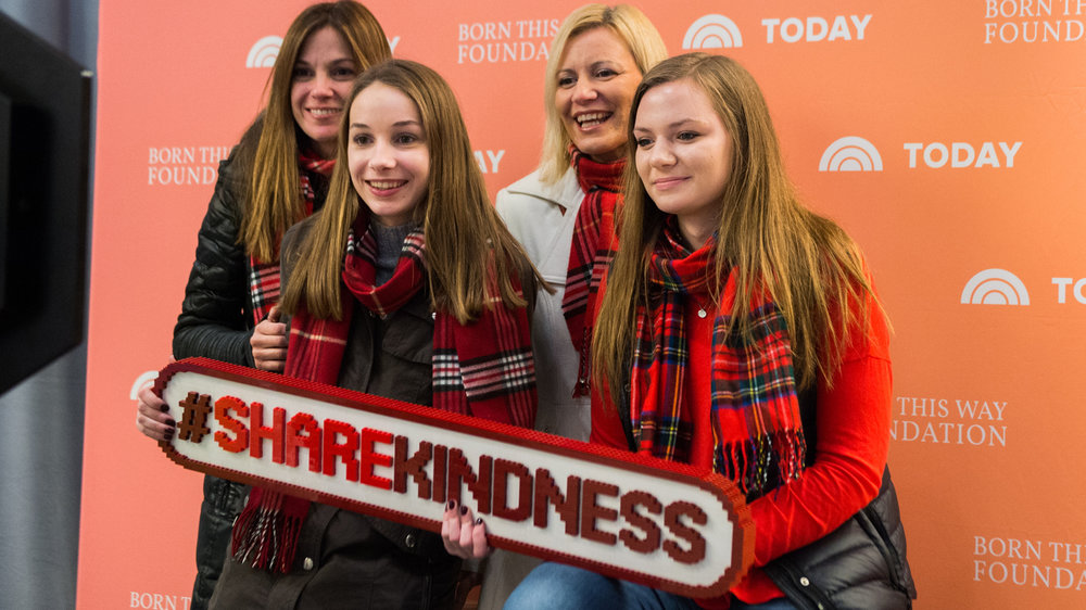 Share-Kindness-Sign-1633x918-today-170104.jpg