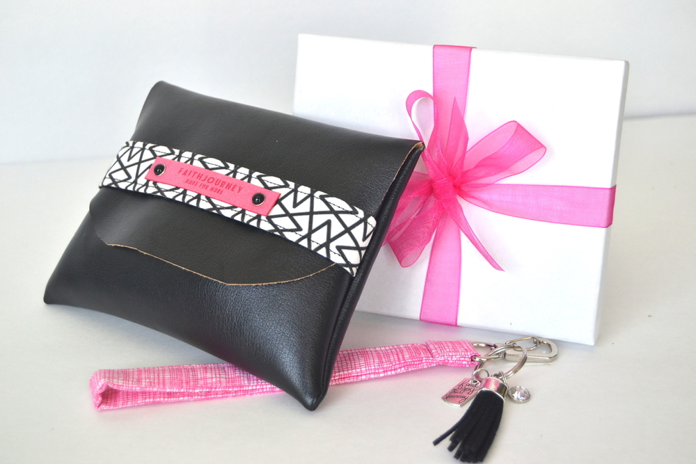 faith clutch and keychain | www.chamelevans.com | handmade gifts