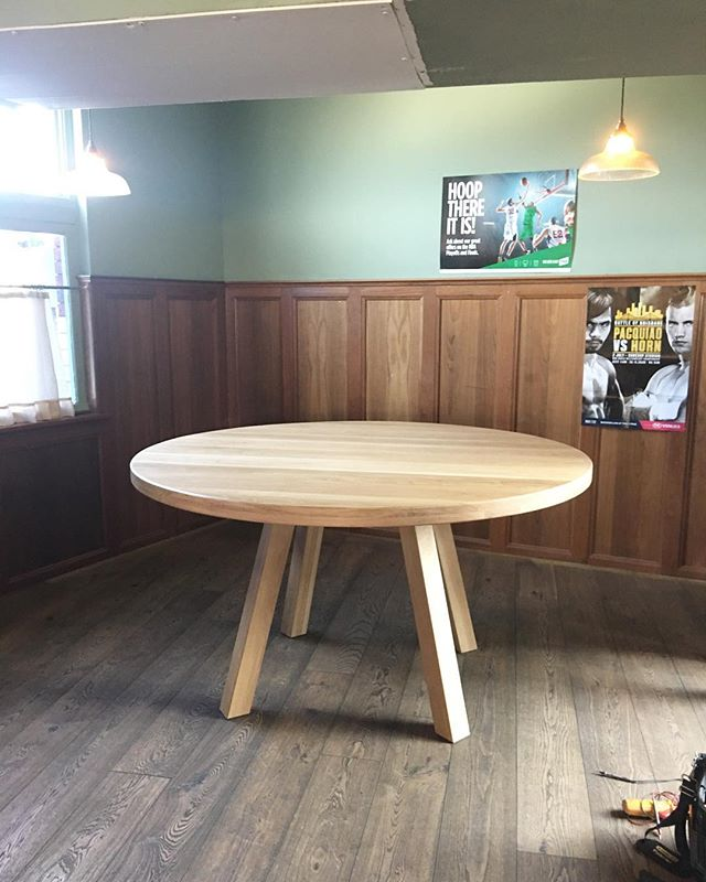 Big boy table custom made for @thedograndwick. Thanks to Kristina @eurostyle_floors for the sensational osmo oil of course 👌🏼