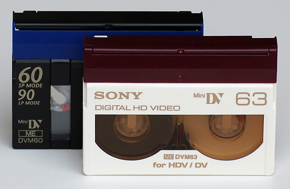 HDV cassettes became popular amongst MiniDV camera users in the mid 2000's.