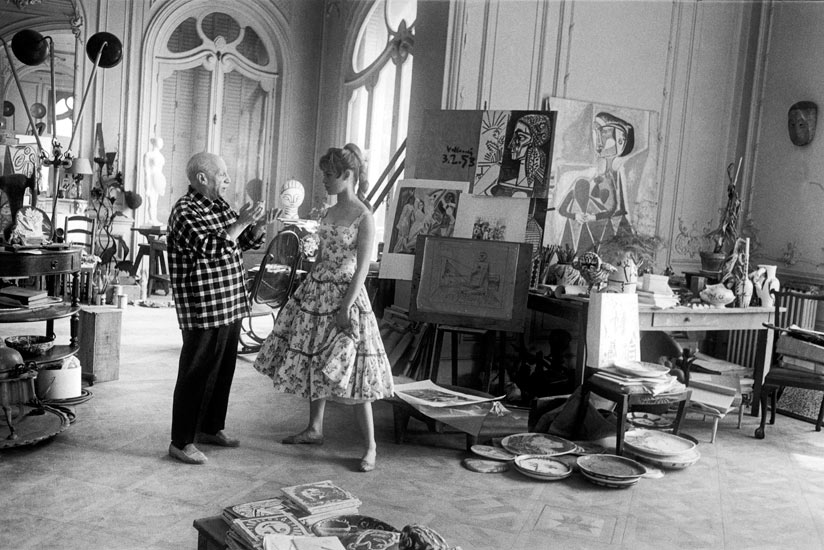 Brigitte Bardot visits Pablo Picasso during the 1956 International Film Festival at Cannes. Photo: ©Jerome Brierre/Getty Images