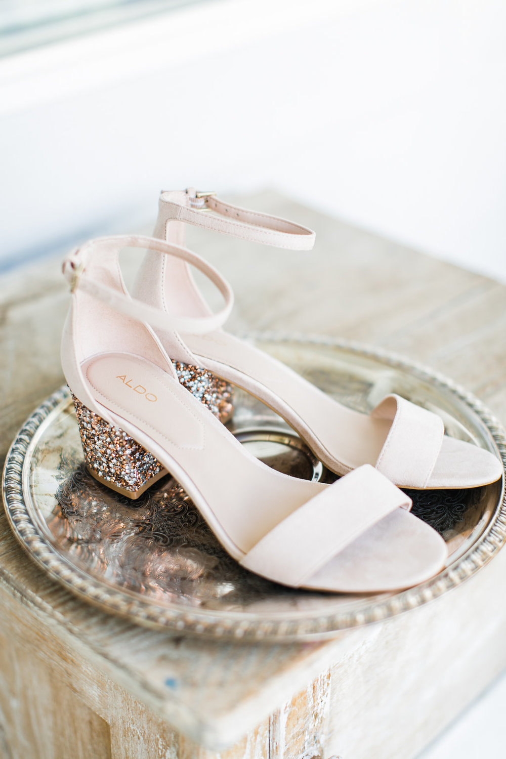 How amazing are these heels and it's touch of glitter?