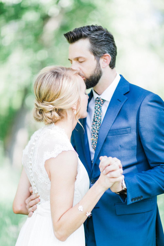 first look colorado mountain wedding