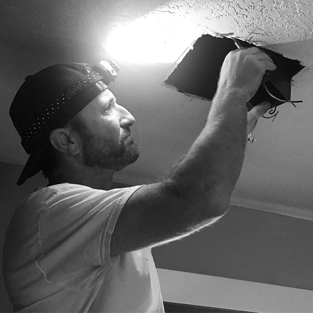 Let there be lights 💡 #electrician #homerenovation #recessedlighting