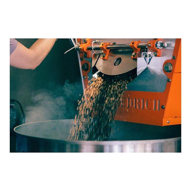 #roasting time . . . .  #coffeetime #roasting #coffee#tanzania  #nordicaproach#diedrichroasters #diedrichir12#coffeeroasters#thirdwavecoffee#instacoffee#coffeebean#coffeelove#coffeeculture#coffeelover#coffeegram#coffeeshots#manualbrewonly#coffeepictures#kaffe#fujifilm #fujilove#fujifilm_xseries #fujixpro2