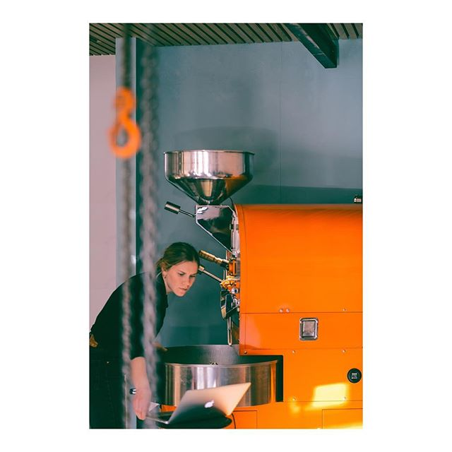 Busy times in the roastery. Our roaster Birgitte roasting coffee for @tangobk , @fishandcow and @renaaxpress .  Interested in coffee for your restaurant or cafe? Send us a mail on post@kokkokokko.no or stop by our shop in Østervåg. . . .  #coffeetime #roasting #coffee#tanzania  #nordicaproach#diedrichroasters #diedrichir12#coffeeroasters#thirdwavecoffee#instacoffee#coffeebean#coffeelove#coffeeculture#coffeelover#coffeegram#coffeeshots#manualbrewonly#coffeepictures#kaffe#fujifilm #fujilove#fujifilm_xseries #fujixpro2