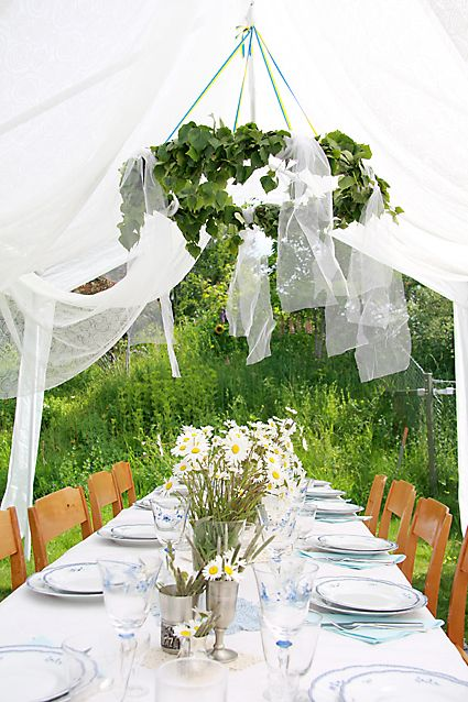 midsummer table.jpg