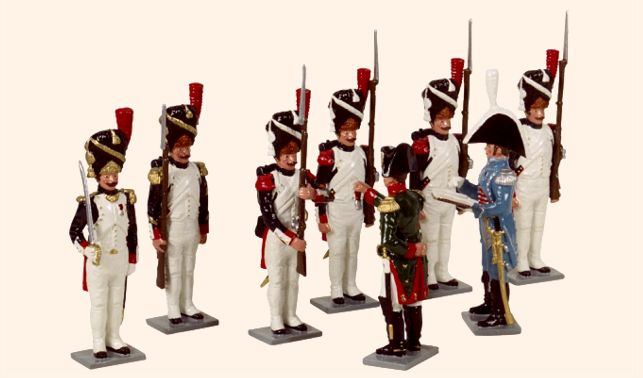 napoleonic soldiers standing at attention. rendez-vous.jpg