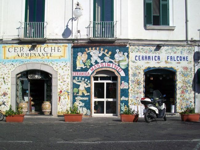 Vietri sul Mare, Ceramics Shops, Exterior