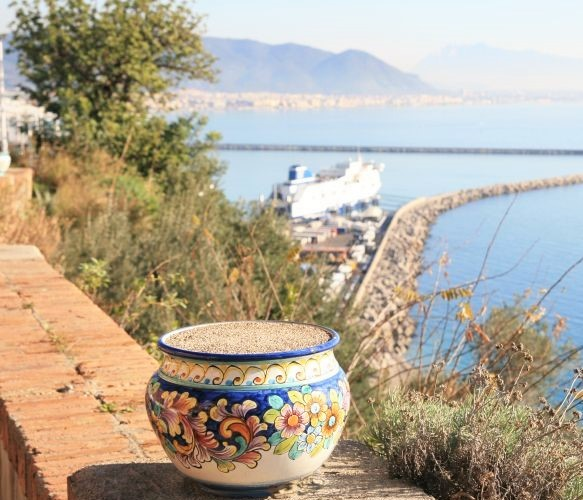 Vietri Ceramics, Traditional Colors and Motif
