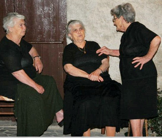 three italian ladies.jpg