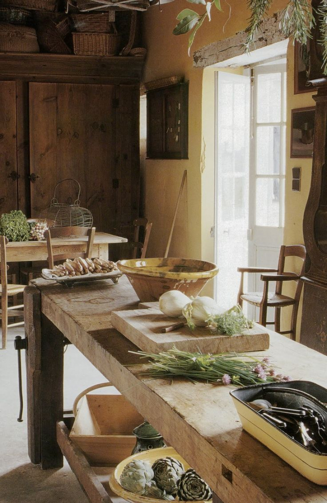 italian farmhouse kitchen.jpg