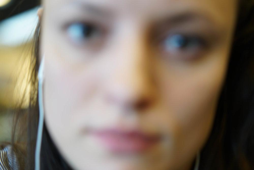 Iris Ebert - 18-02_Iris-Ebert_airport.jpg