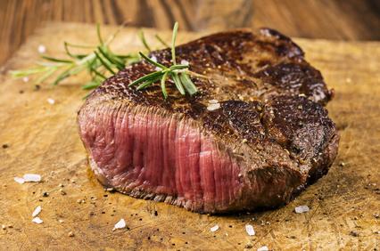 Darf das Steak noch auf den Teller? Abnehmen mit Ernährungsumstellung