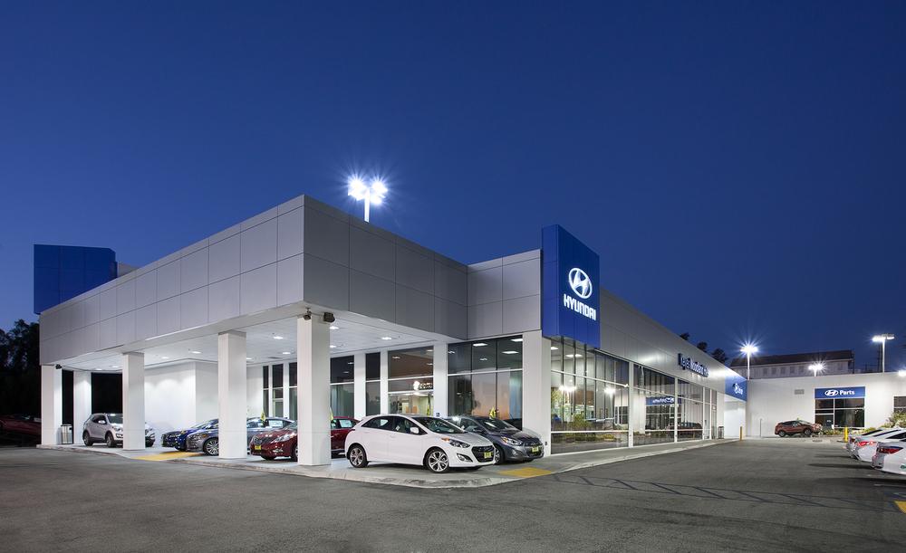 Hyundai_WoodlandHills_Twilight_3.jpg