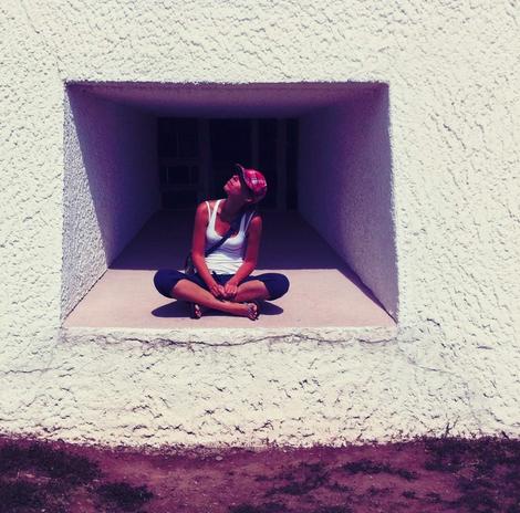 De muren die je om je heen bouwt houden niet alleen de kou buiten, maar ook de vreugde en het geluk in je leven!