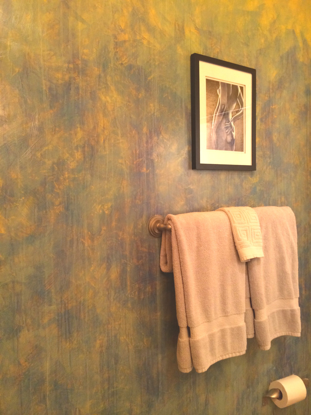 Bathroom wall in acrylic and venetian plaster  wall hunt artwork by unknown artist from Ecuador