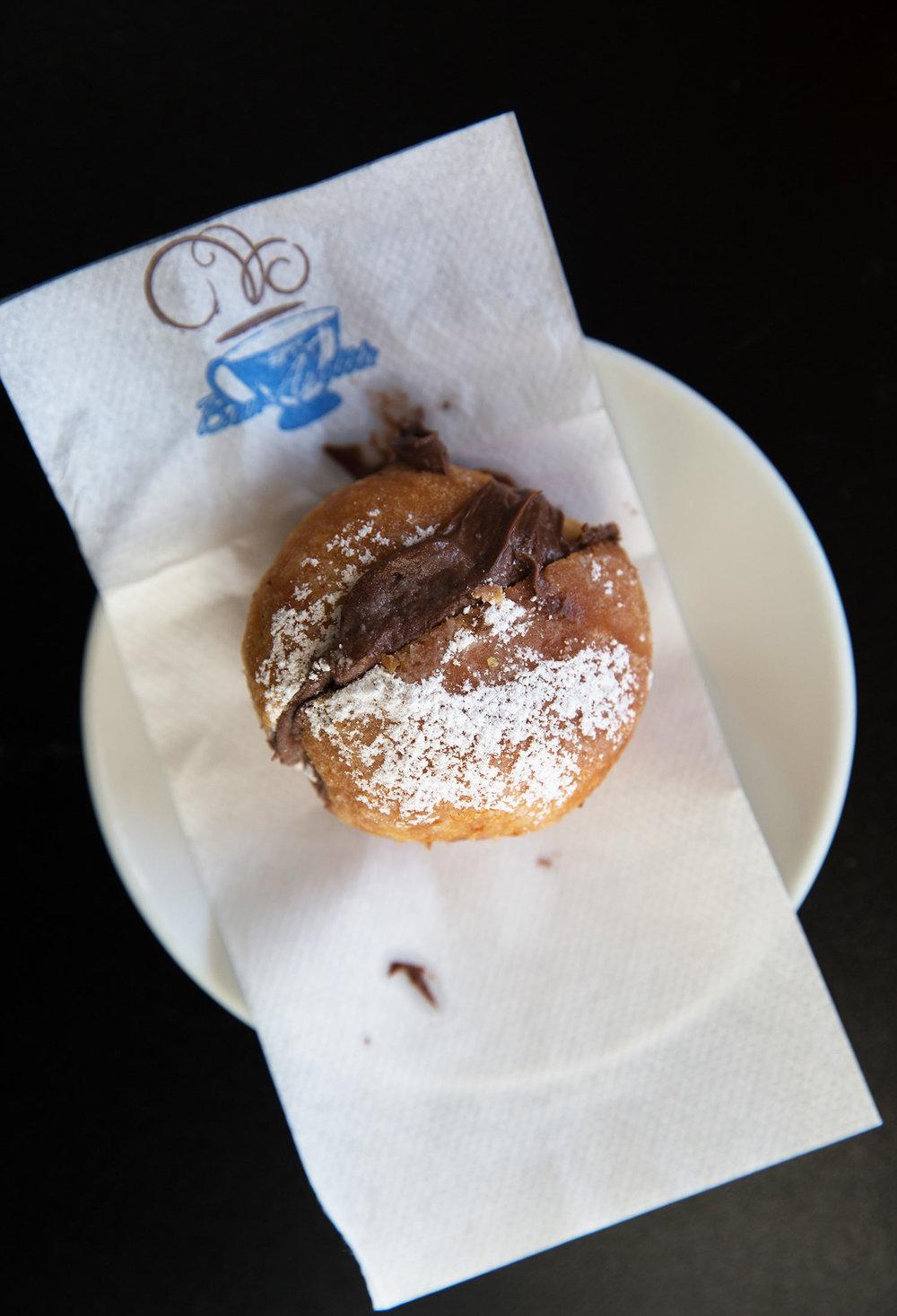 Bolinho at Molete bread and breakfast, Porto