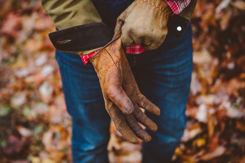 ADV007_gloves.jpg