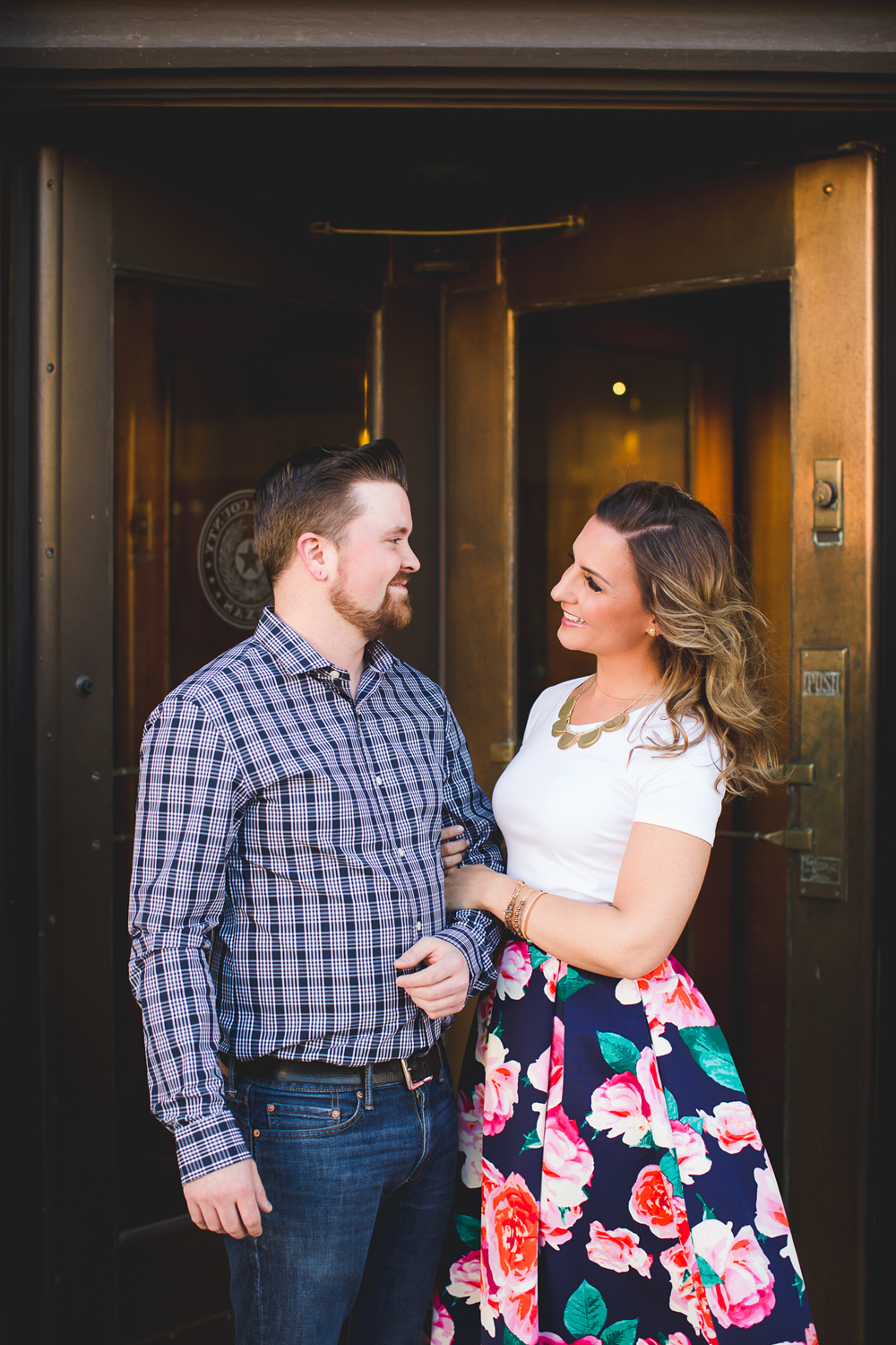 engagement-photos-downtown-amarillo