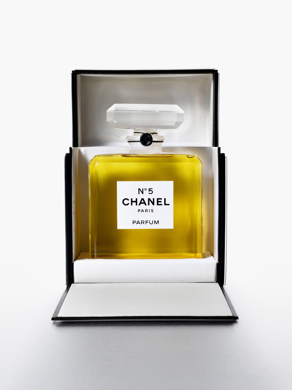 13R_CHANEL bottle 1-WEB.jpg