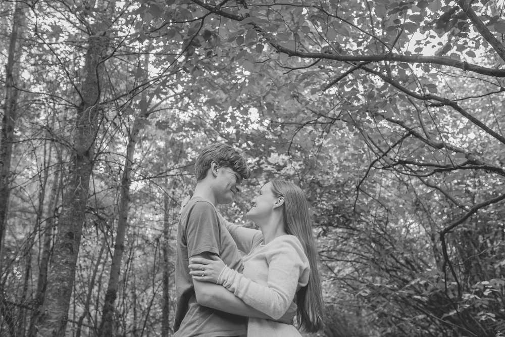 Dayna and Dylan - BW (51 of 187).jpg