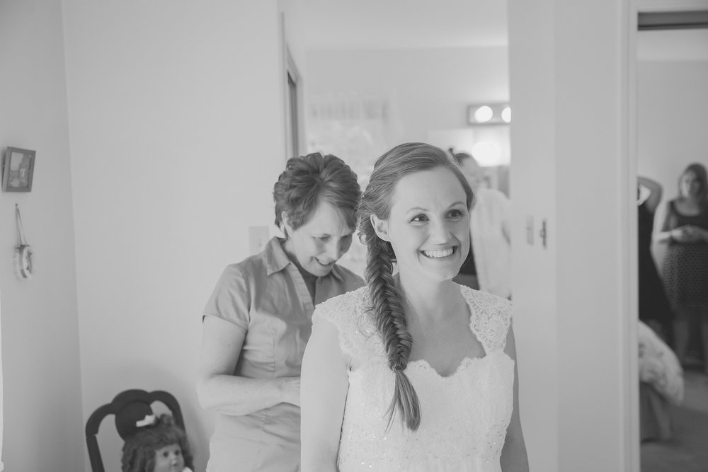 Dayna and Dylan - BW (92 of 793).jpg