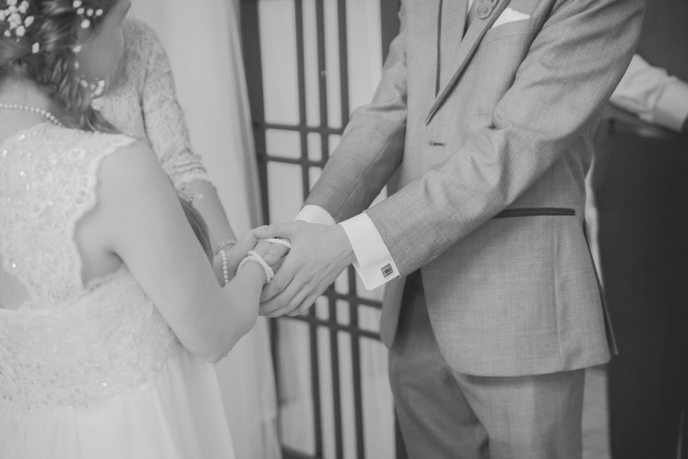 Dayna and Dylan - BW (472 of 793).jpg