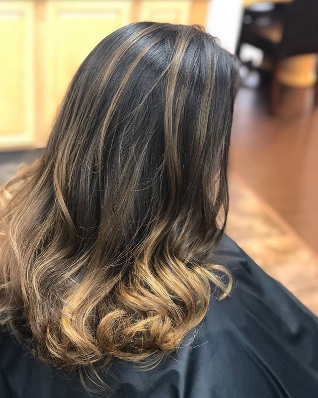 It's time to lighten up #balayage #haircolor #haircut #hair #longhair #highlights #color #paulmitchell